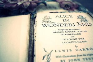 Alice in Wonderland by xCookii