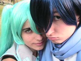Miku and Kaito Cosplay by inufullmetal8