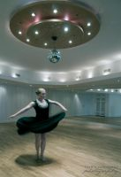 Dancing on my own by alassea-ancalimon