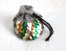 Forest Dragonscale Dicebag (crochet and scale) by SerenFey