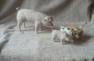 Needle felted miniature pig with piglets by thewishingshed