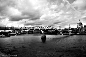 Millenium Bridge by Nittaaaa