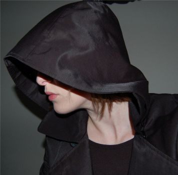 Hooded Female by lilianoake