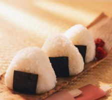 onigiri aka rice ball by Rappappa
