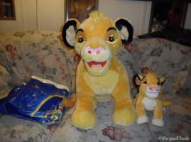 TLK Disneyland Paris Simba plush by Pega-Flair