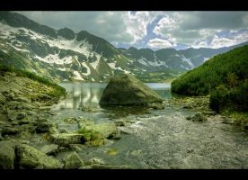 The Valley of the Five Lakes - The Great Lake II by Beezqp