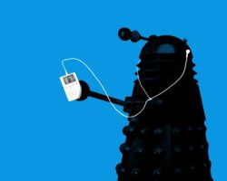 dalek listening to its ipod by BeckyIsSoCooLike
