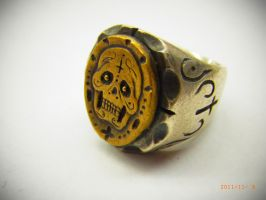 Mexican Skull Ring by EYERUS