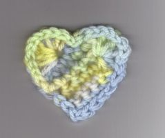Crochet heart by BloodyKisses56