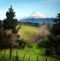 Mt Egmont by heeeeman