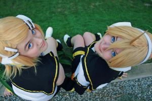 Synchronization - Rin and Len by vampirepickle