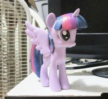 Princess Twilight Sparkle Vinyl Figure by MetroXLR99