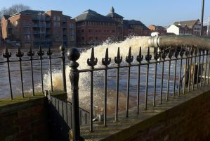 Floods at York - Pumping Out - 7 Dec 2015 by bobswin