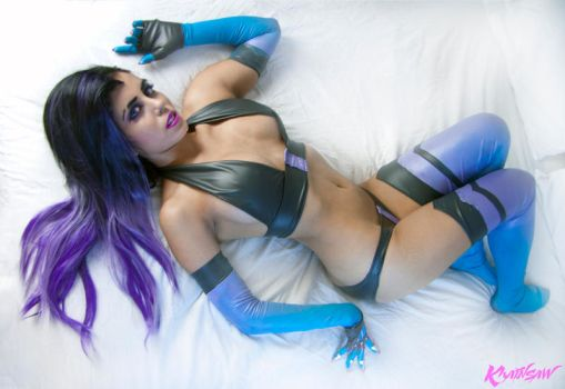 Overwatch Lingerie Sombra Cosplay : Hack my Heart by Khainsaw