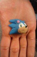 Sculpty Magnet: Sonic the Hedgehog! by wolfshadow6