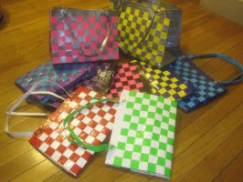 Woven duck tape totes by recycledrapunzel