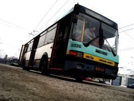 Ikarus 415T waiting to go by zmILeY