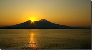 sunrise over the Vesuvio by Mittelfranke