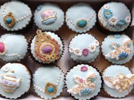 Vintage jewel cupcakes by S-y-c