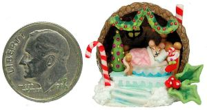 NIGHT BEFORE CHRISTMAS Wee MOUSE BED HOUSE DIORAMA by WEE-OOAK-MINIATURES