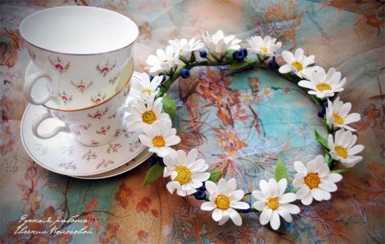 My hand-made wreath of daisies by V-eva