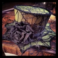 Zombie Green Spider's web Mini-hat Fascinator by Elorhan