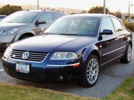 Front side view VW Passat W8 4Motion 6MT by Partywave