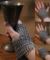 Chainmaille Gloves by medievalfaery