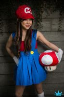 Gender Bender Mario Cosplay by lillybearbutt