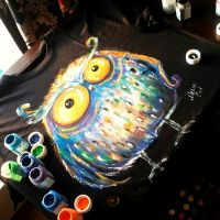 big owl on XXXL size tshirt by bemain