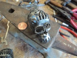Miniature skull make 2 Gear head by Artifexion