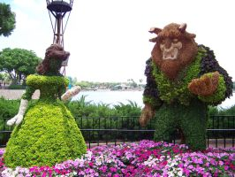 Beauty and the Beast Topiary by Dream-finder