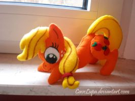 Applejack Plush by CaveLupa