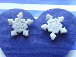 Snow Flake Earring Studs by tyney123