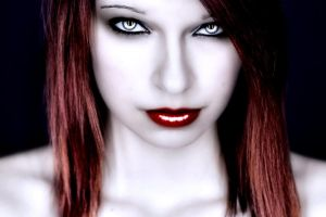 Vampire Salvaje-Deadly Beauty by Darkest-B4-Dawn