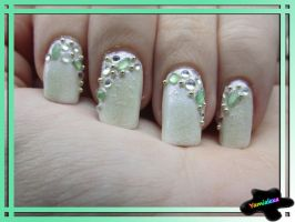 Subtle Green Nailart by Yamialexa