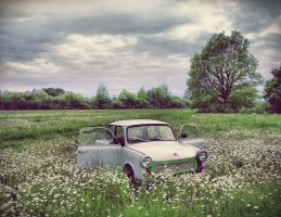deserted Trabant II by skamparas