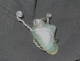 iridescent stone wire wrap by Galasdian