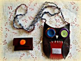 handsewn owl coin purse - view 2 by moonwolf17
