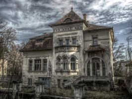 House by povesteauneipietre