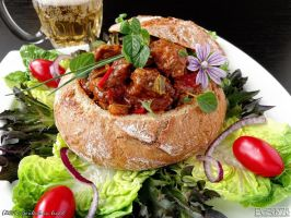 Goulash in Bread by PaSt1978