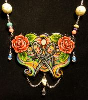 Finished necklace by Flos-Abysmi