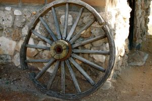 Old Wagon Wheel by zootnik