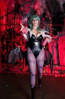 Darkstalkers - Morrigan Aensland Cosplay by HezaChan