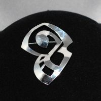 Figurative Broach by Adornments