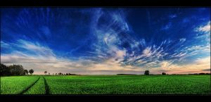 Hungarian skies pt.CXXVII. by realityDream