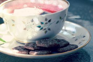 tea and crackers by fotomademoiselle