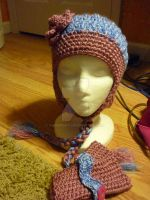 Custom morgan Mittens and Hat by AAMurray