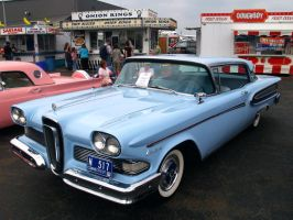 Pretty Edsel by davincipoppalag