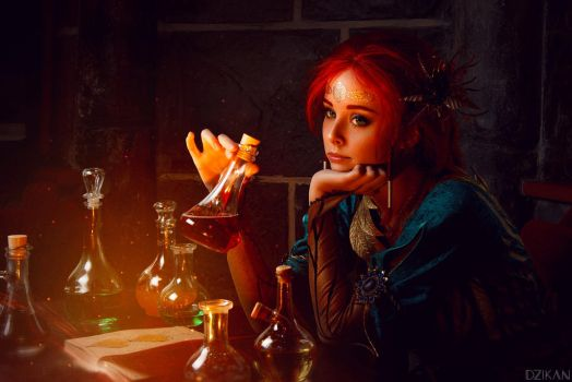 The Witcher | Triss Merigold cosplay by Dzikan